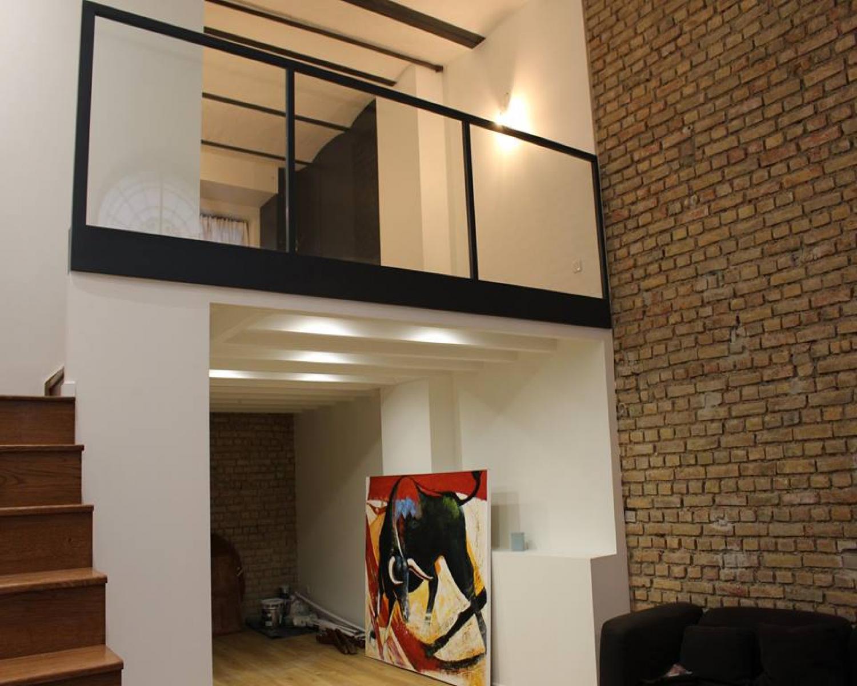 garde corps bois intrieur la propritaire les gardecorps duescalier se font dco rambarde bois. Black Bedroom Furniture Sets. Home Design Ideas